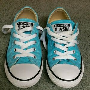 Converse lowest price going to yard sale 5/25